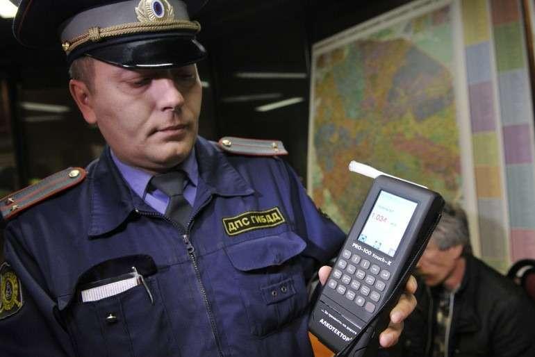 У пьяных водителей предложено задерживать автомобили доуплаты залога в50тысяч рублей