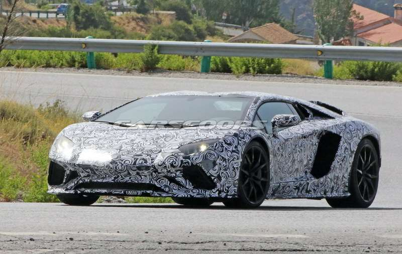 Незли быка: Lamborghini Aventador даст очередной бой конкурентам