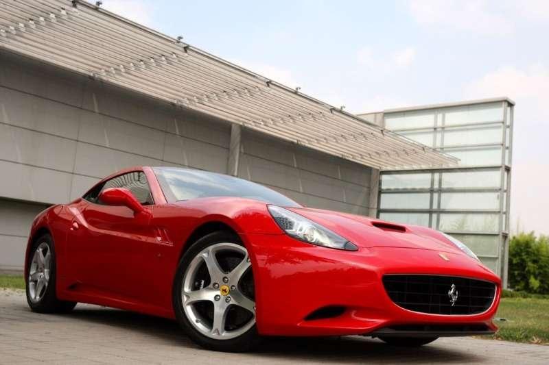 Фото новейшей Ferrari California— фото 348467