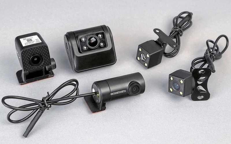 8 видеорегистраторов: содной исдвумя камерами— какой лучше?
