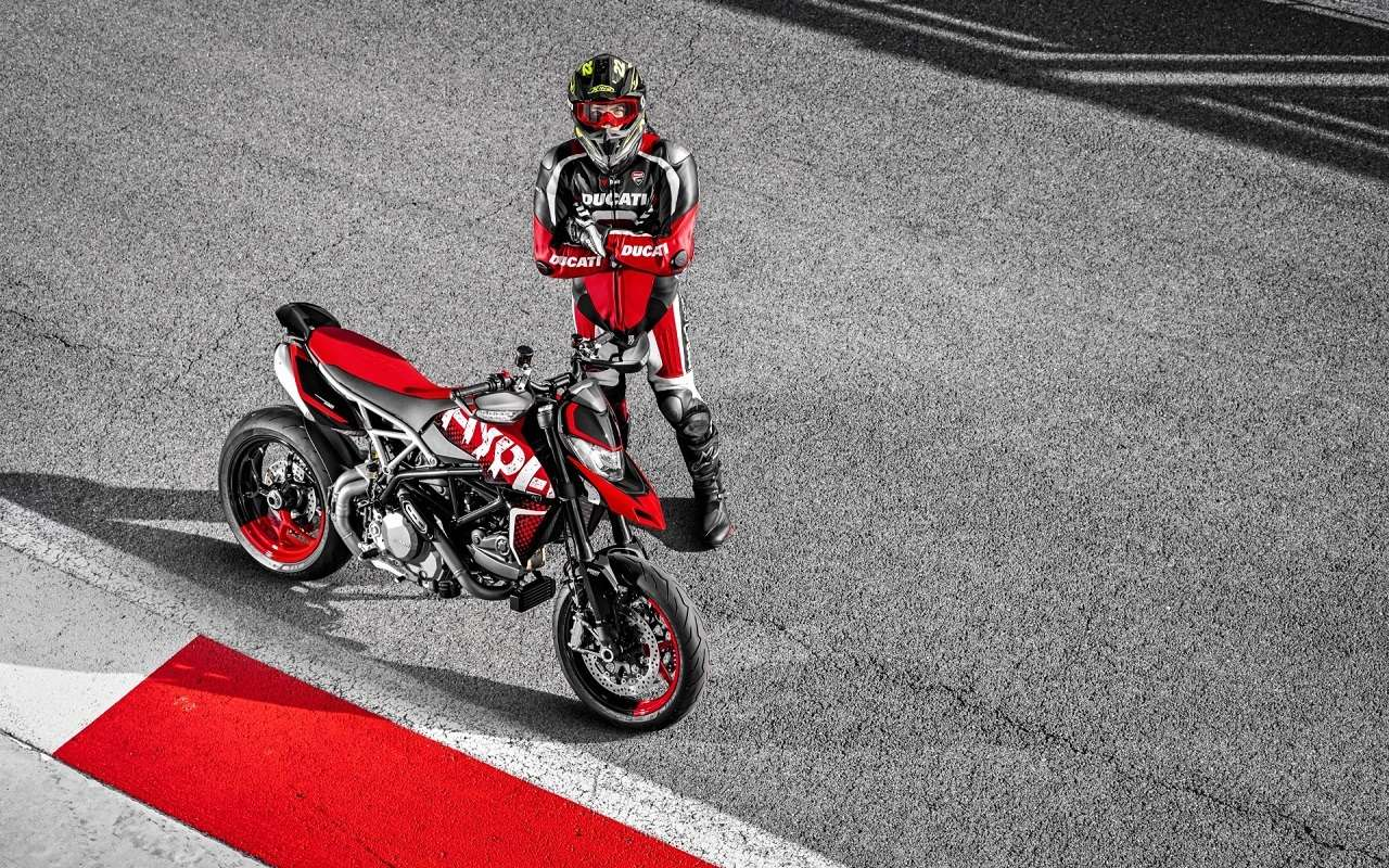 Ducati показала мотоцикл Hypermotard вварианте 950RVE— фото 1141066