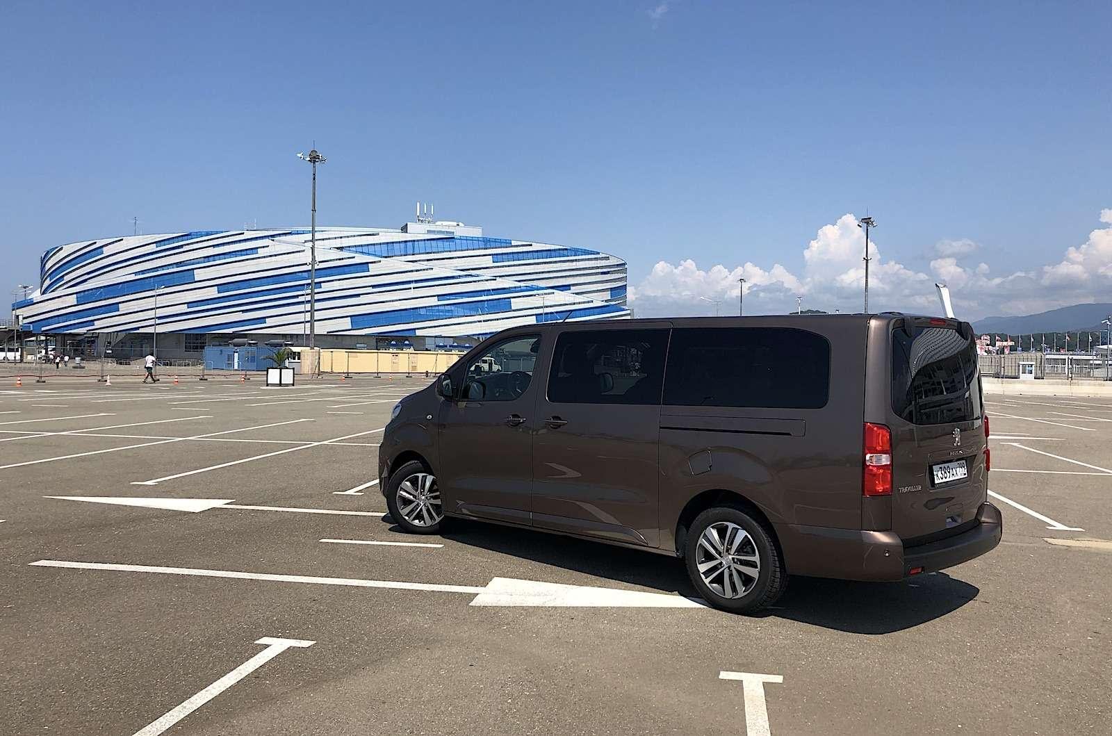 Peugeot Traveller VIP Business: сообразим насемерых?— фото 905228