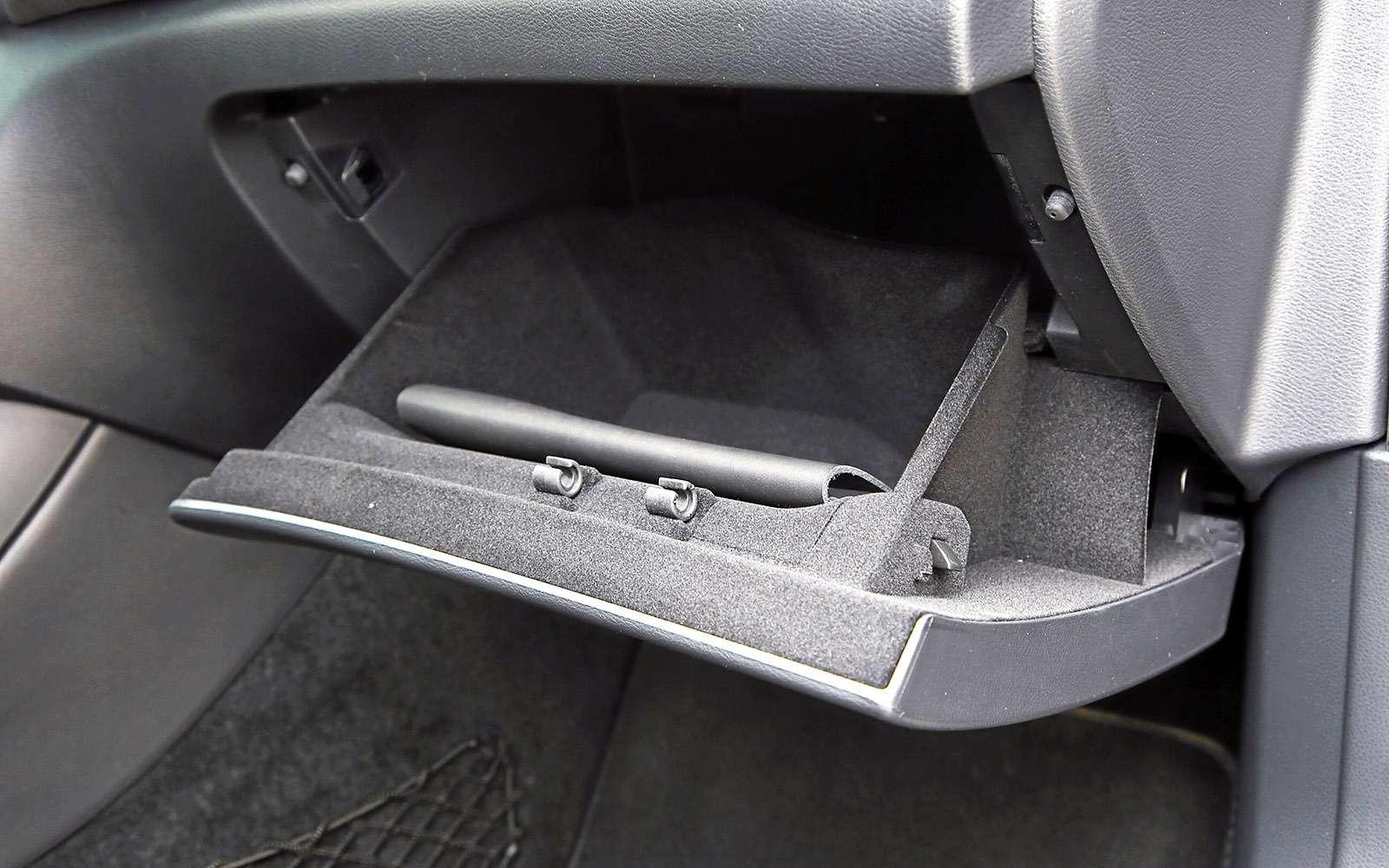 VWGolf GTI против Infiniti Q30—  кто любит погорячее— фото 710210