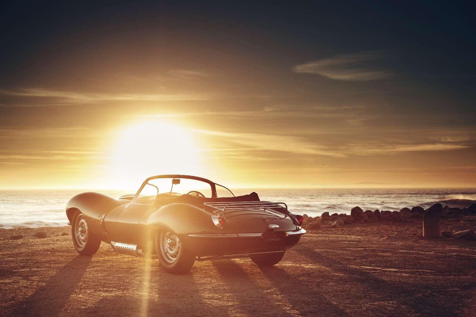 Jaguar вернулся квыпуску карбюраторных автомобилей— фото 665295