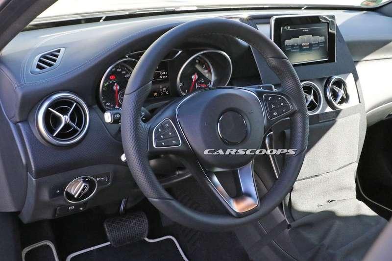 2016-Mercedes-Benz-A-Class-5
