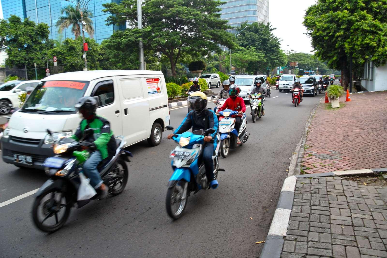 Полет наЯву: исследуем авторынок идороги Индонезии— фото 607889