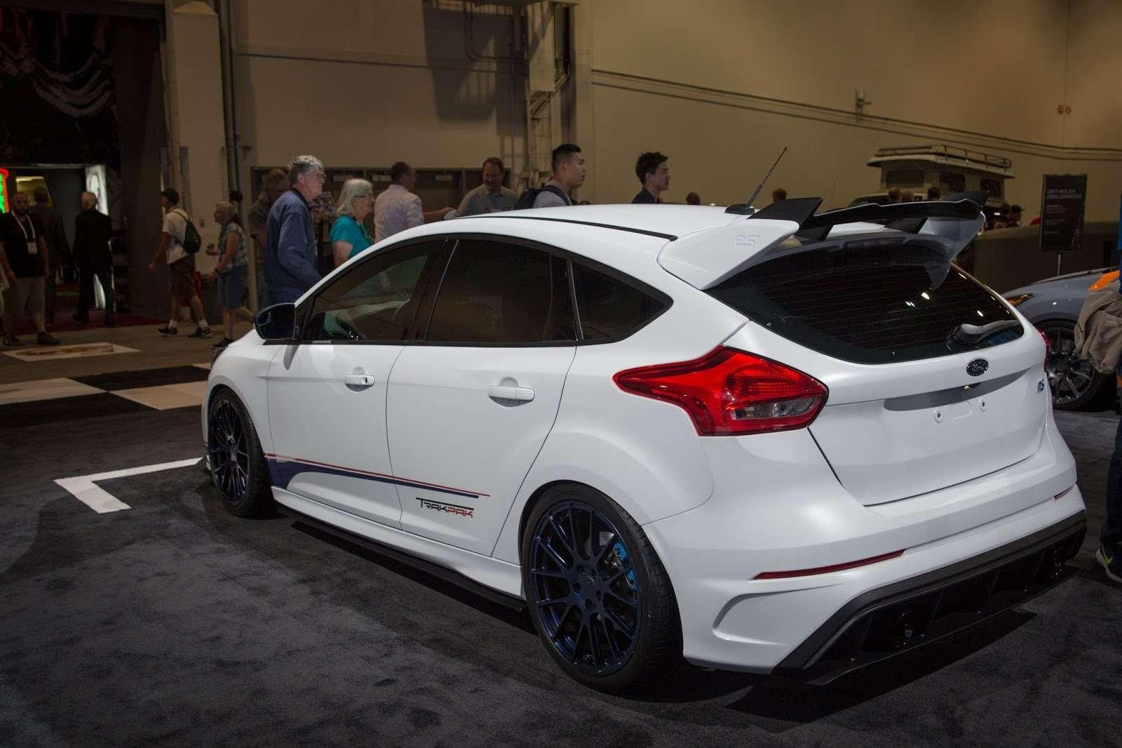 Молния старины Джека: Ford Focus RSначнет охоту насуперкары