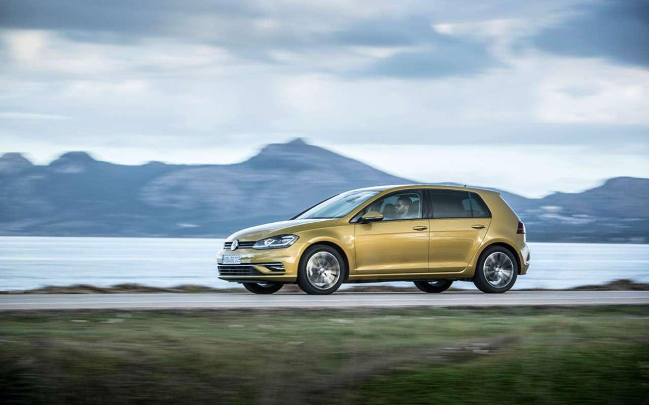 Volkswagen Golf вернулся вРоссию: известны цены икомплектации— фото 904991