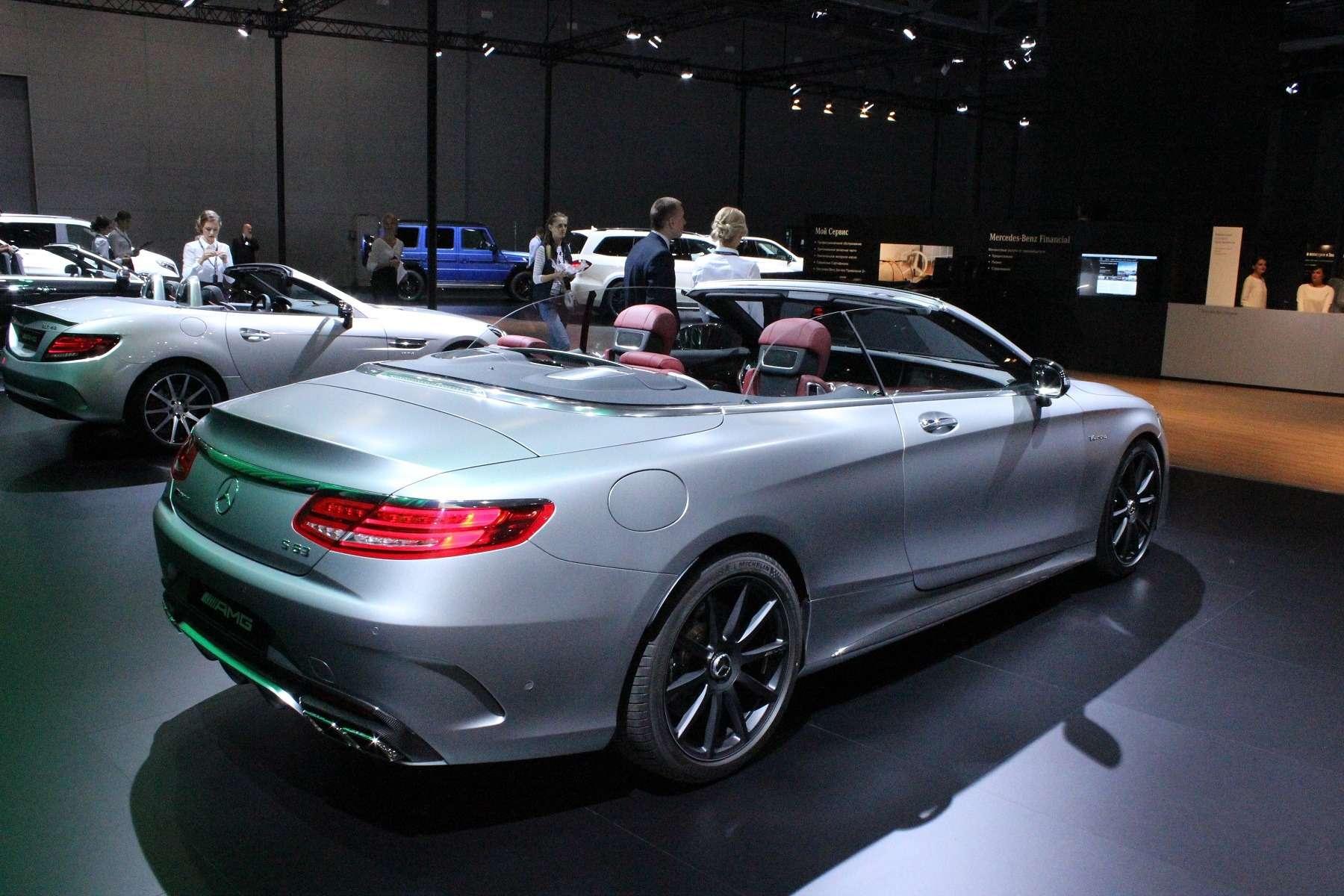 Стенд или шоу-рум: Mercedes-Benz E-класса ивсе-все— фото 624478