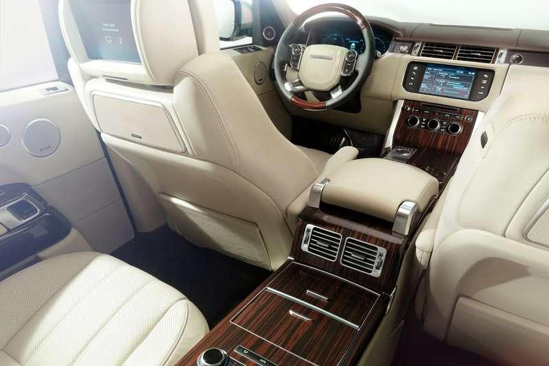 NewLand Rover Range Rover inside 1_no_copyright