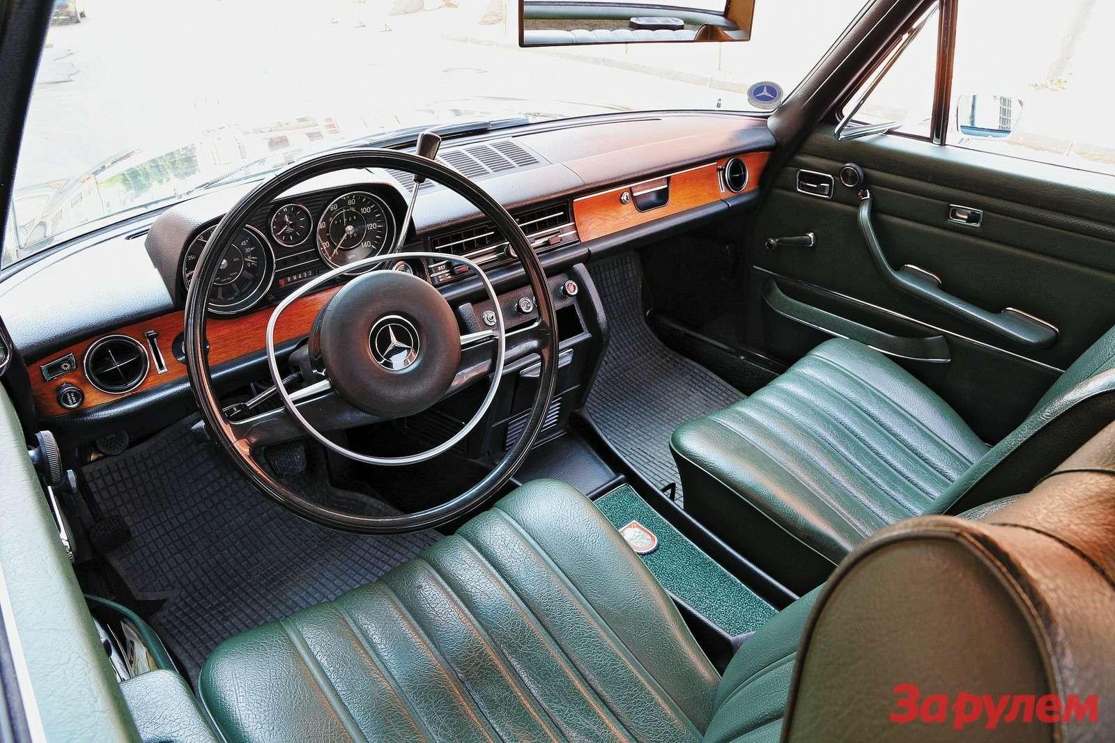 Mercedes-Benz W114 1970 года