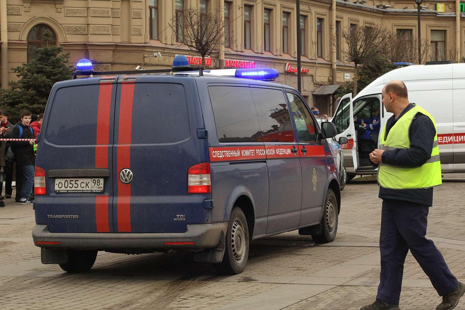 Жуткая история вПетербурге: автохамы сножом ибитой против водителя школьного автобуса иродителей