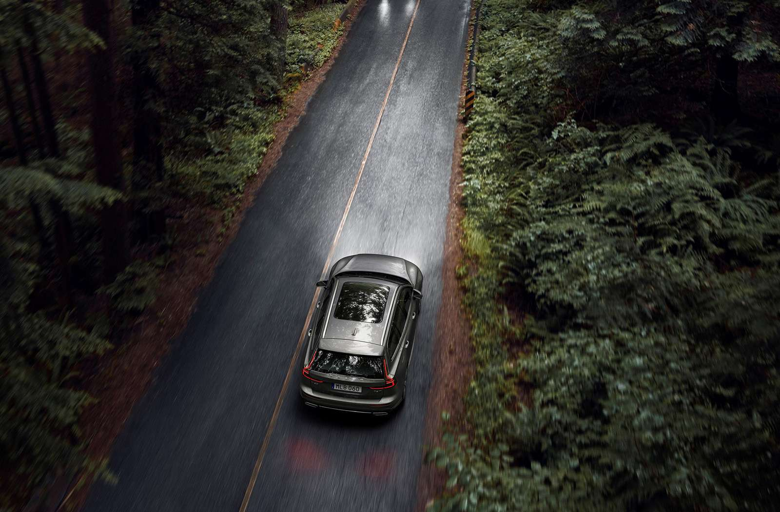 Volvo представила V60: семейный, роскошный инедлянас— фото 847552