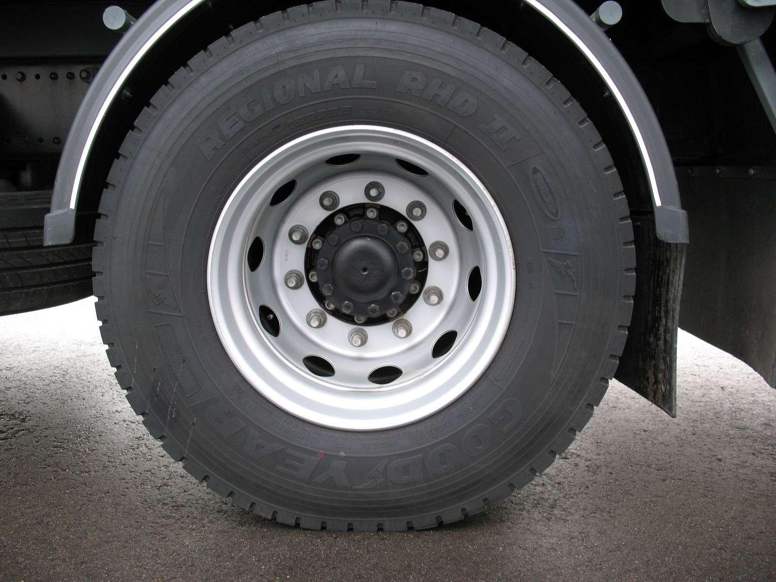 Новый 18-тонный грузовик Ford российской сборки— фото 1229918