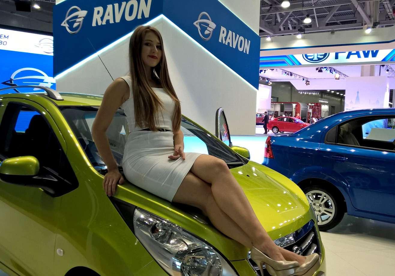 Девушки Московского автосалона-2016