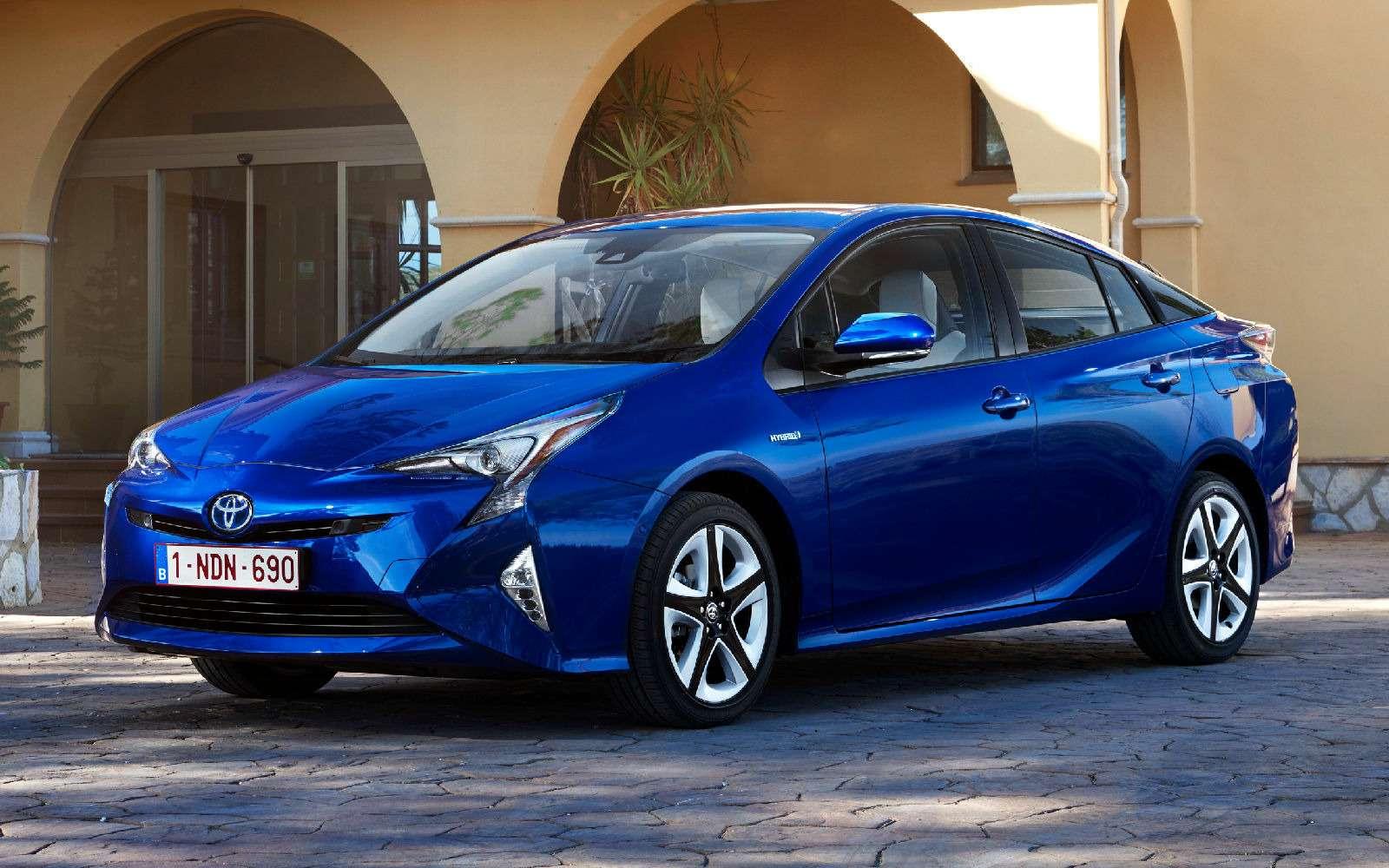 Дляумных ипродвинутых: Toyota Prius возвращается вРоссию— фото 698861