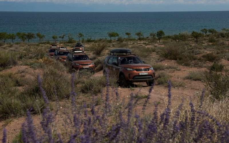 На Land Rover Discovery в страну гор и двух тысяч озер