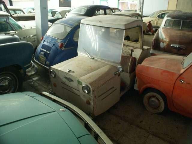 Бывший дальнобойщик решил продать свою коллекцию из700 машин— фото 702195