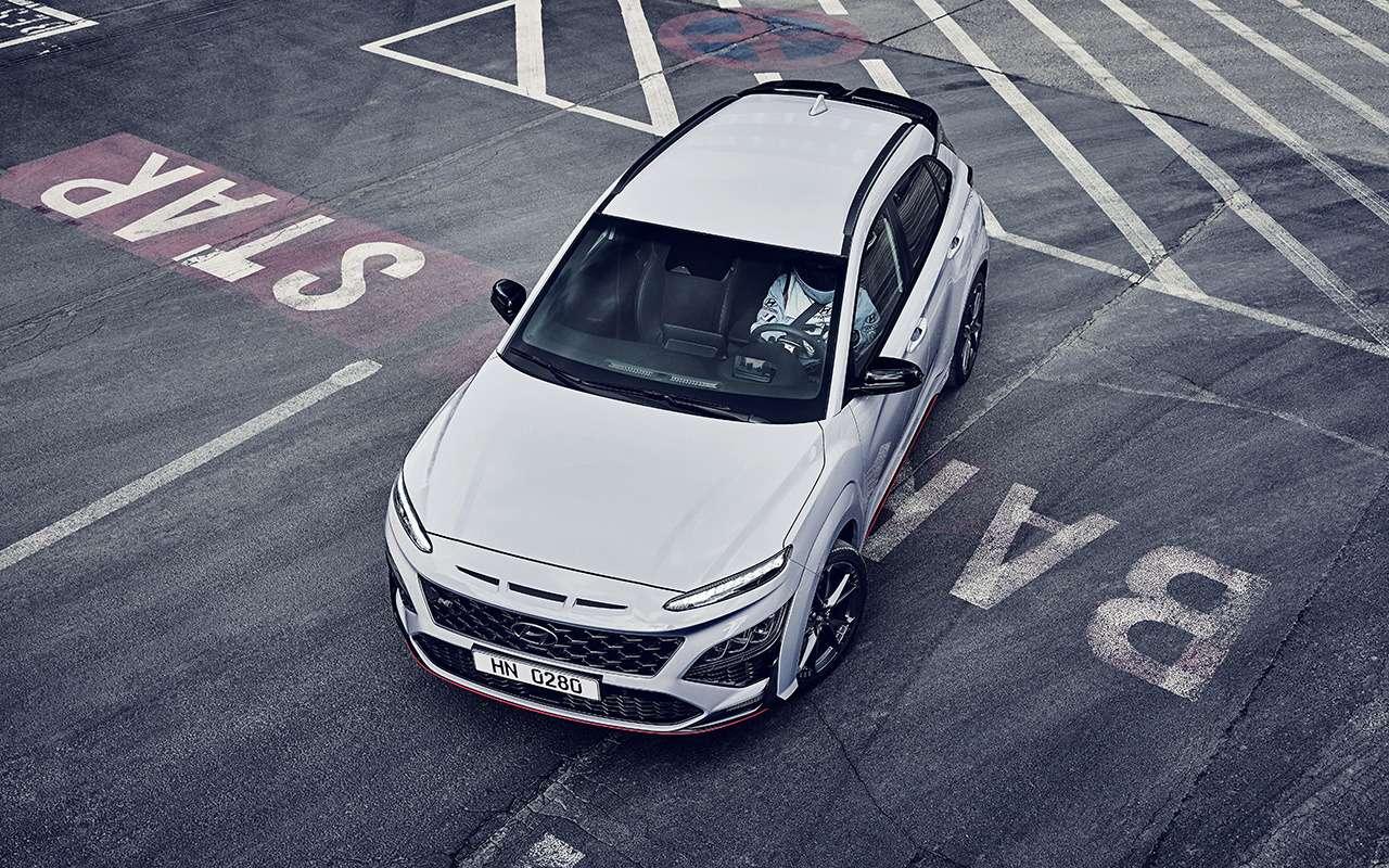 Дебют Hyundai Kona N— первого семейного спорткросса— фото 1242503
