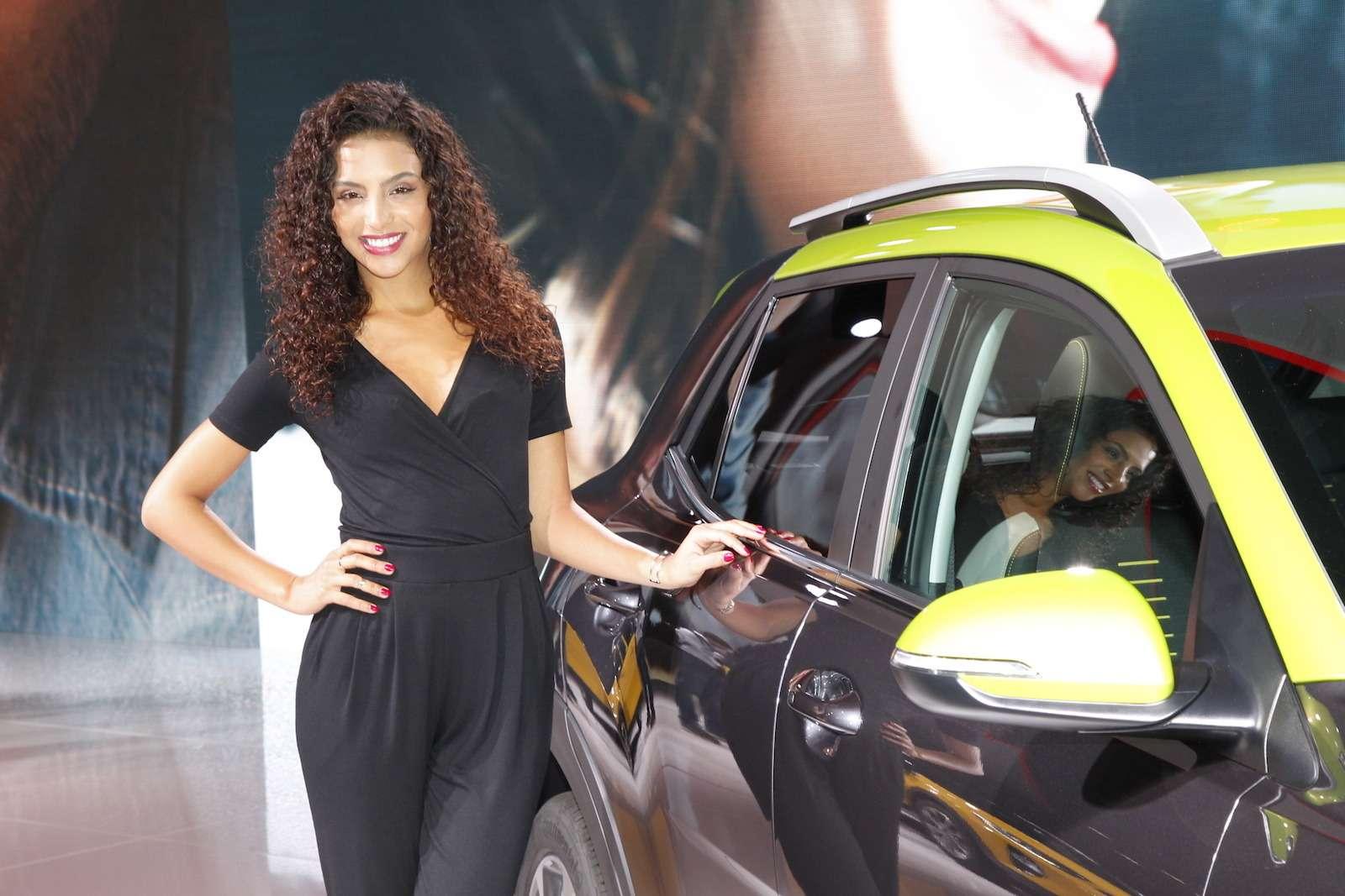Лучшие девушки Франкфуртского автосалона!— фото 793930