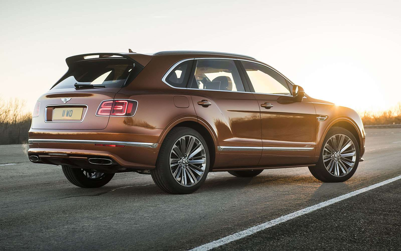 Самый быстрый внедорожник— теперь это Bentley— фото 949165
