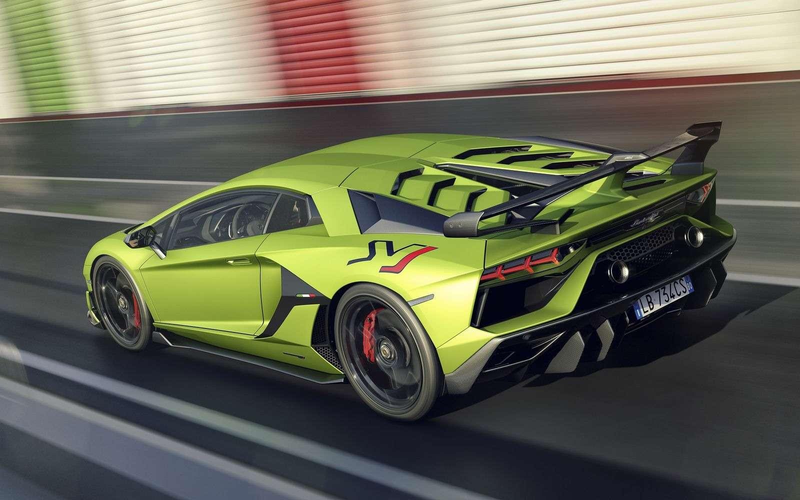 Lamborghini представила самый быстрый суперкар всвоей истории— фото 898567