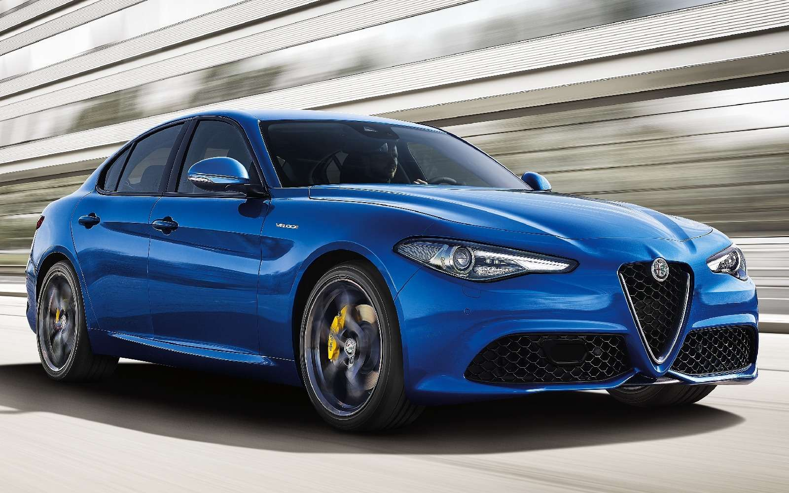 Alfa Romeo Giulia приедет вПариж на«скорости»— фото 637210