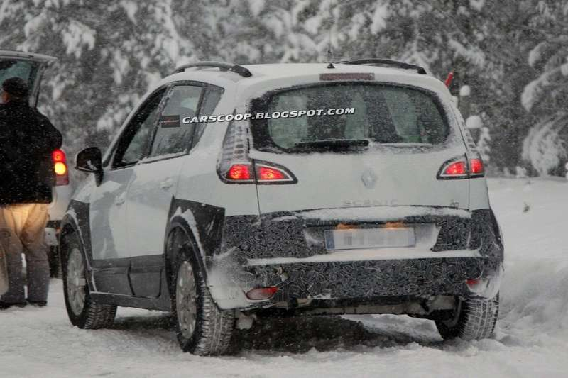 New off-road Renault Scenic test prototype 5_no_copyright