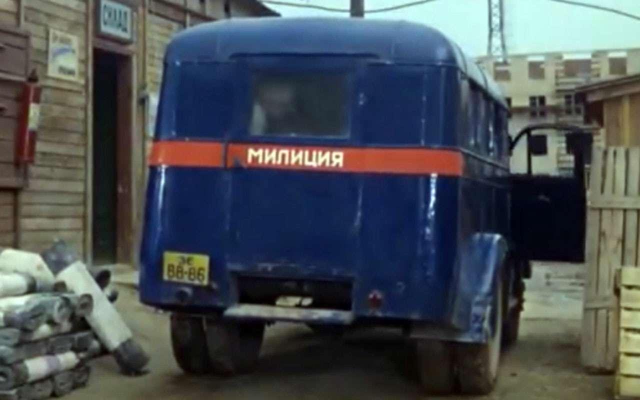 Всемашины нашей милиции: малолитражки, внедорожники, грузовики!— фото 1079913