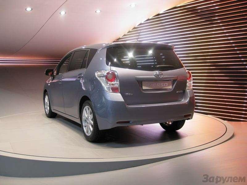 Toyota Prius III: Наголодном пайке— фото 92542