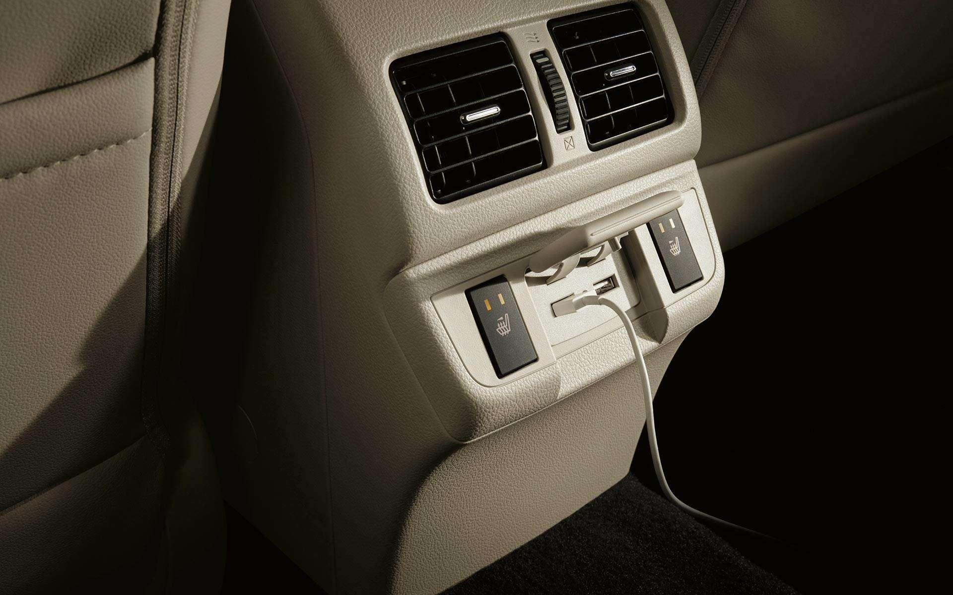 Subaru возвращает вРоссию седан Legacy— фото 816582