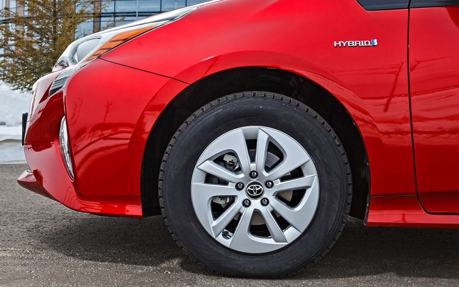 Новый Toyota Prius: сколько-сколько онстоит?!— фото 755712