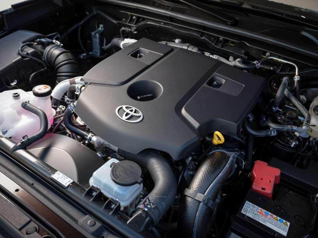 Toyota объявила российские цены наFortuner— фото 779058
