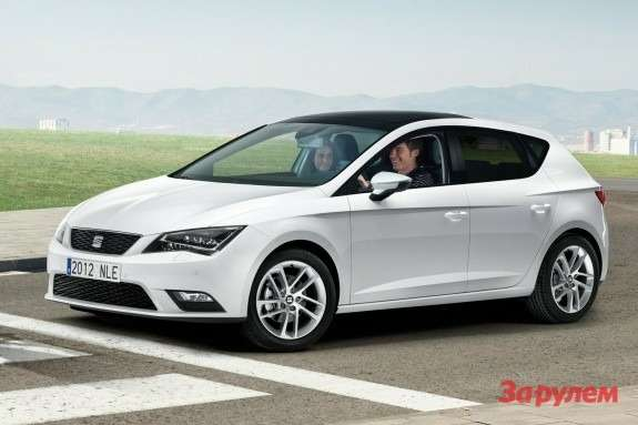 201207161535_new_seat_leon_side_front_view