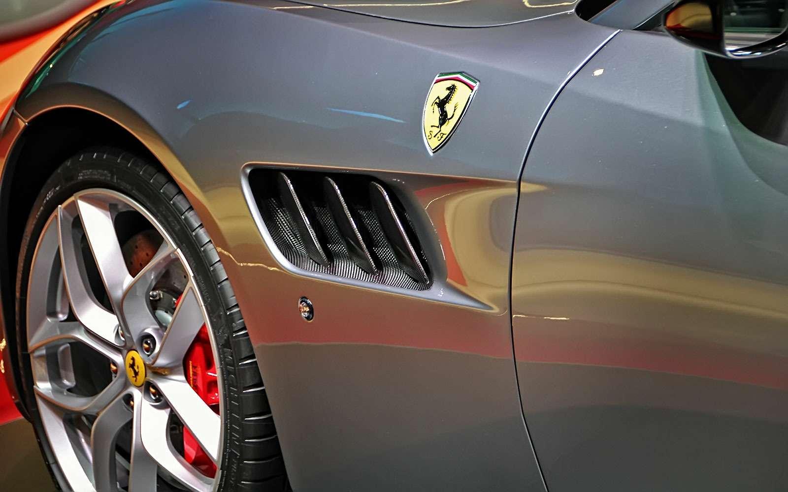 Махнул неглядя: Ferrari GTC4Lusso Tпоменял полный привод натурбонаддув— фото 641791