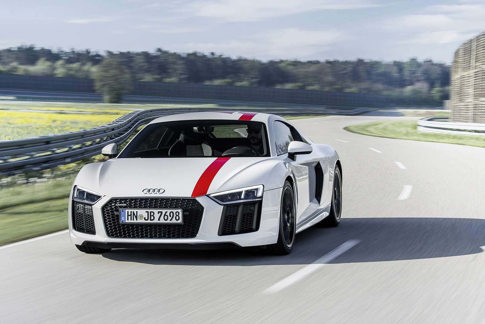 Audi показала свою первую заднеприводную модель— фото 793570