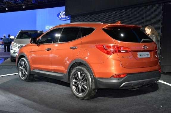 Hyundai Santa FeSport side-rear view