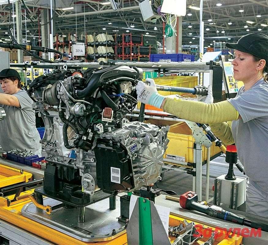 Двигатели, коробки передач, узлы трансмиссии, подвески итормозов приходят вРоссию изФранции. Детали выпускной системы делают вРоссии. Все это собирают вединую ходовую часть.
