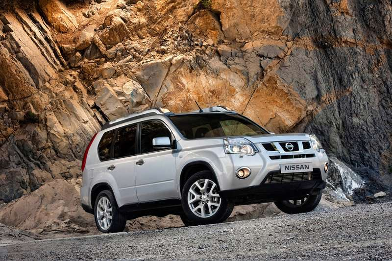 no_copyright_2011-nissan-x-trail-01