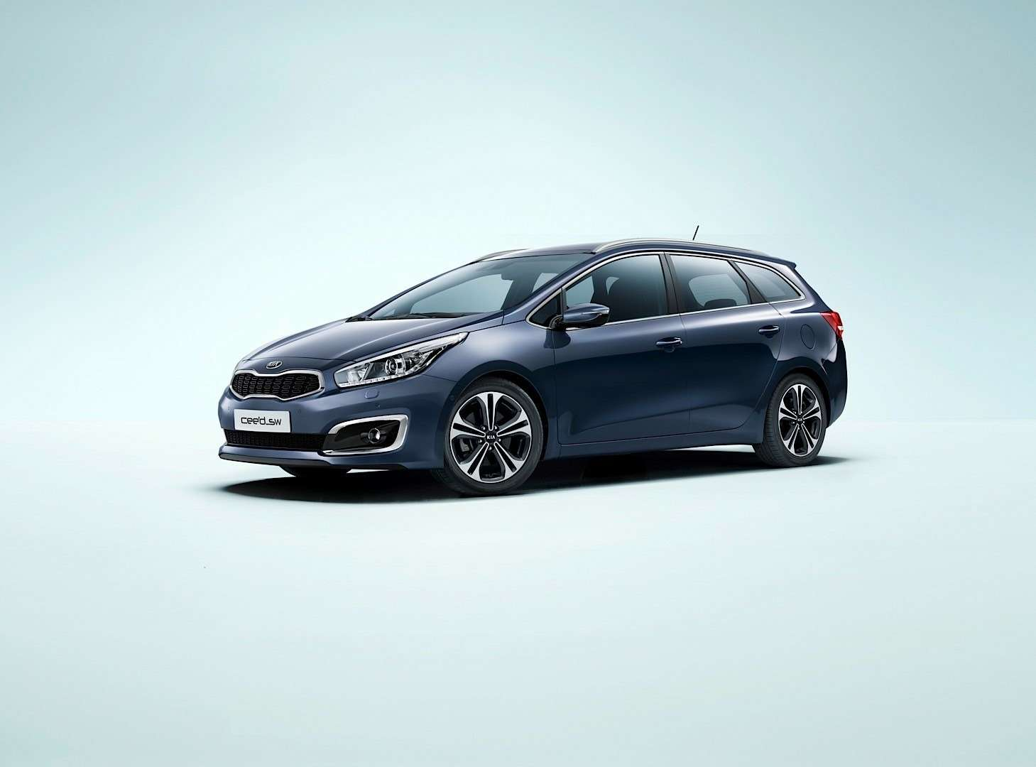 2016-kia-cee-d-brings-subtle-visual-upgrades-new-engines-and-sporty-gt-line-photo-gallery_3