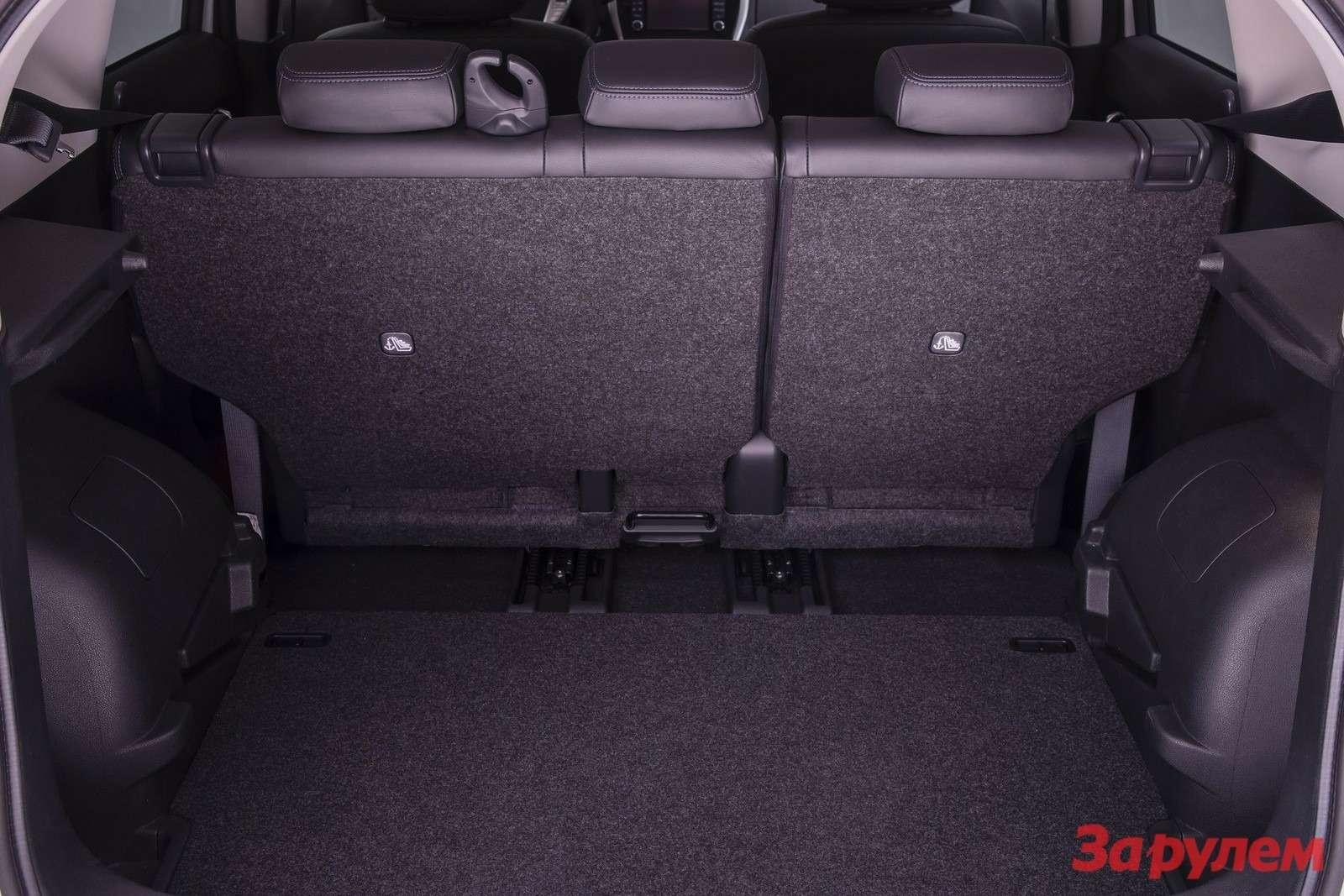Nissan-Note_2014_1600x1200_wallpaper_1d