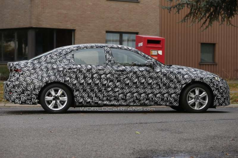 New Lexus IS test prototype side view_no_copyright