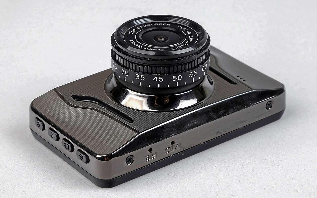 Самые дешевые видеорегистраторы: выбираем лучший— фото 932546