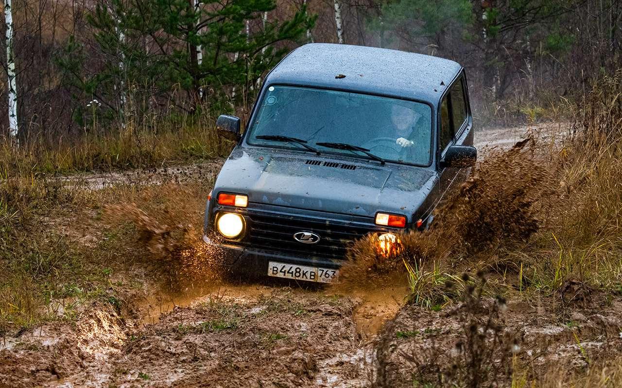 Тест-драйв легенд бездорожья: Lada 4x4, Suzuki Jimny, Jeep Wrangler— фото 1089448