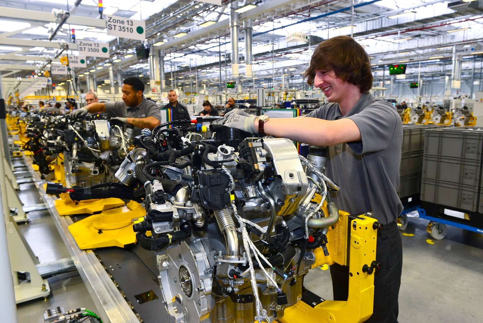 Завод двигателей Jaguar Land Rover: сто гениев вчас— фото 589027