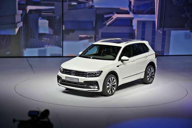 VW_Tiguan_R-line_Kadakov