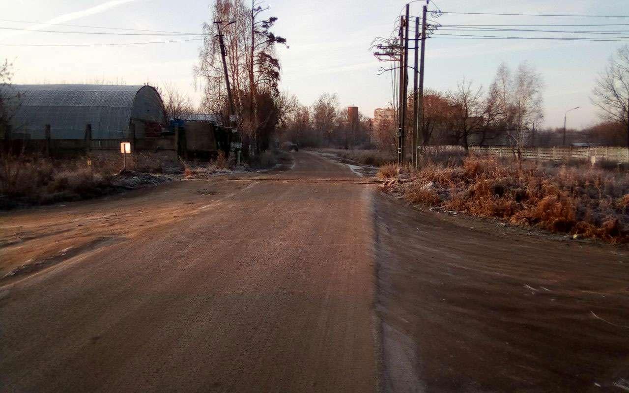 РЖДотрежет отцивилизации поселок вПодмосковье, закрыв ж/д переезд. Говорят, его несуществует!— фото 1009075