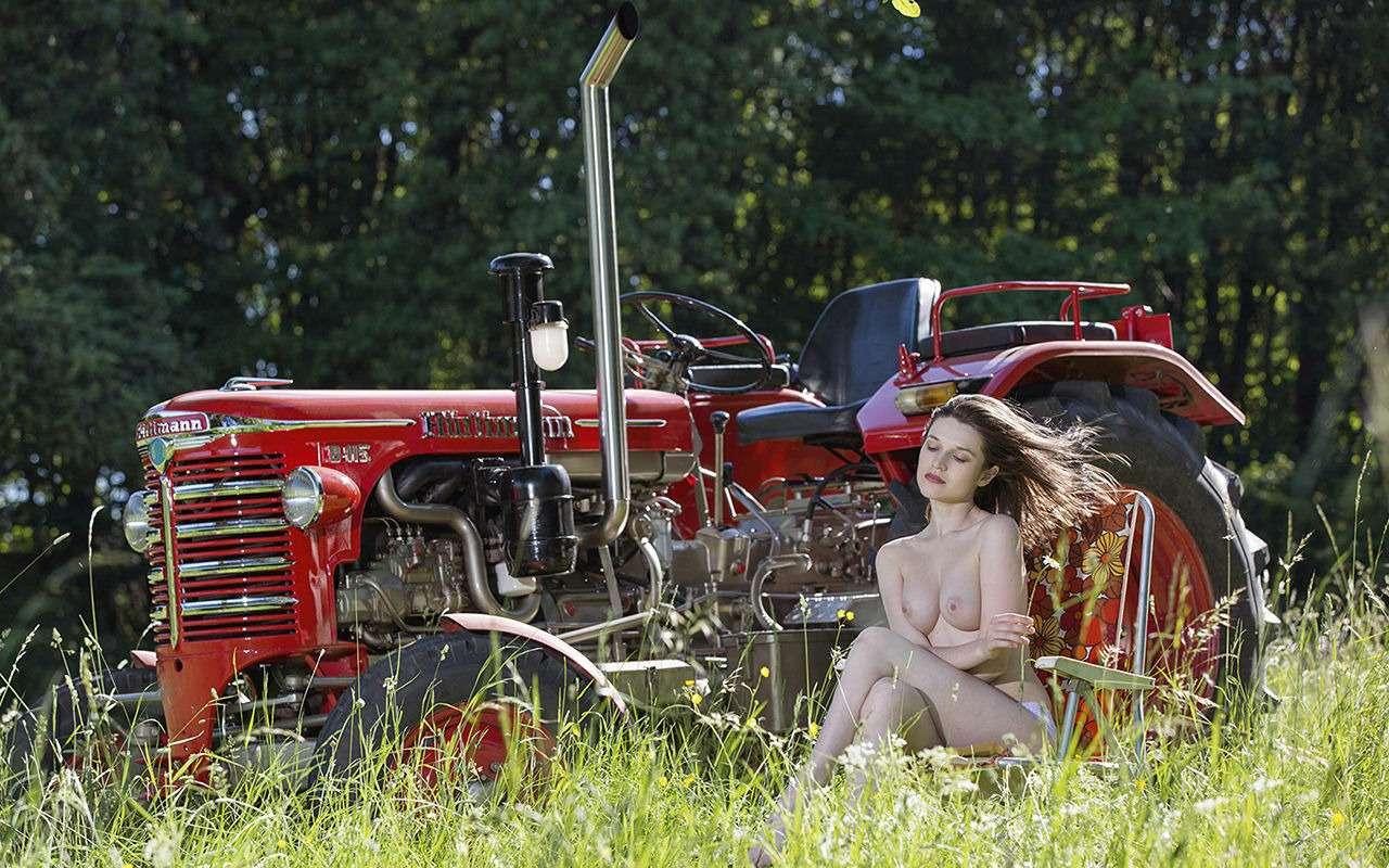 Девушки исельхозтехника: задорный календарь на2019год— фото 930415