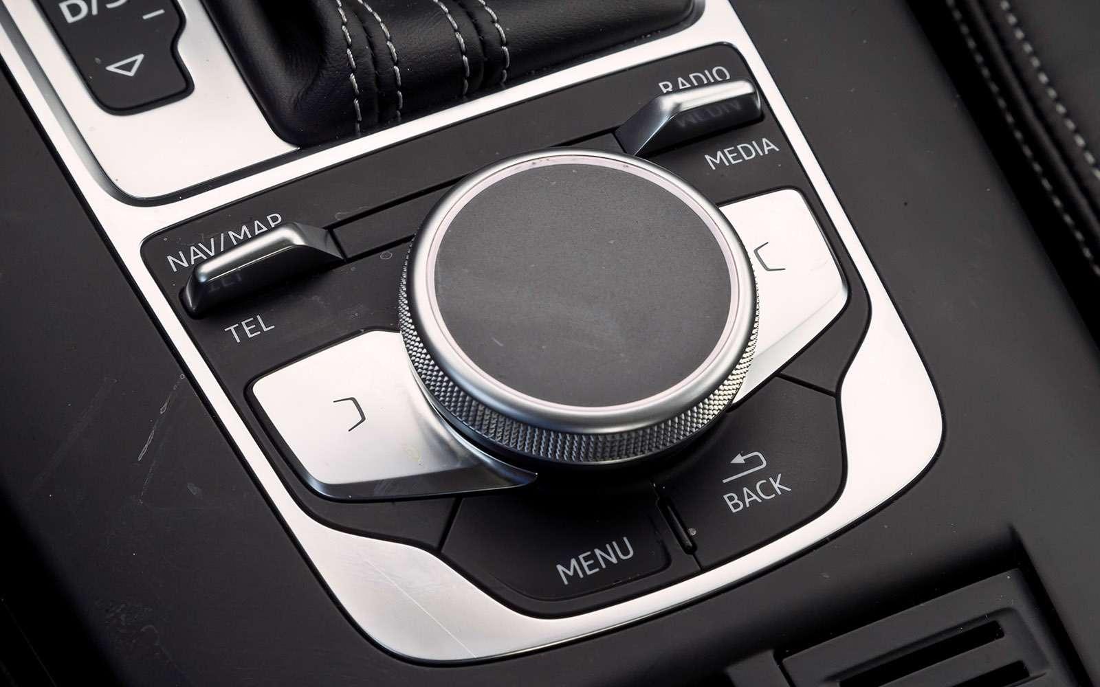 Skoda Octavia против конкурентов изAudi иKia: кольцо длятроих— фото 768691