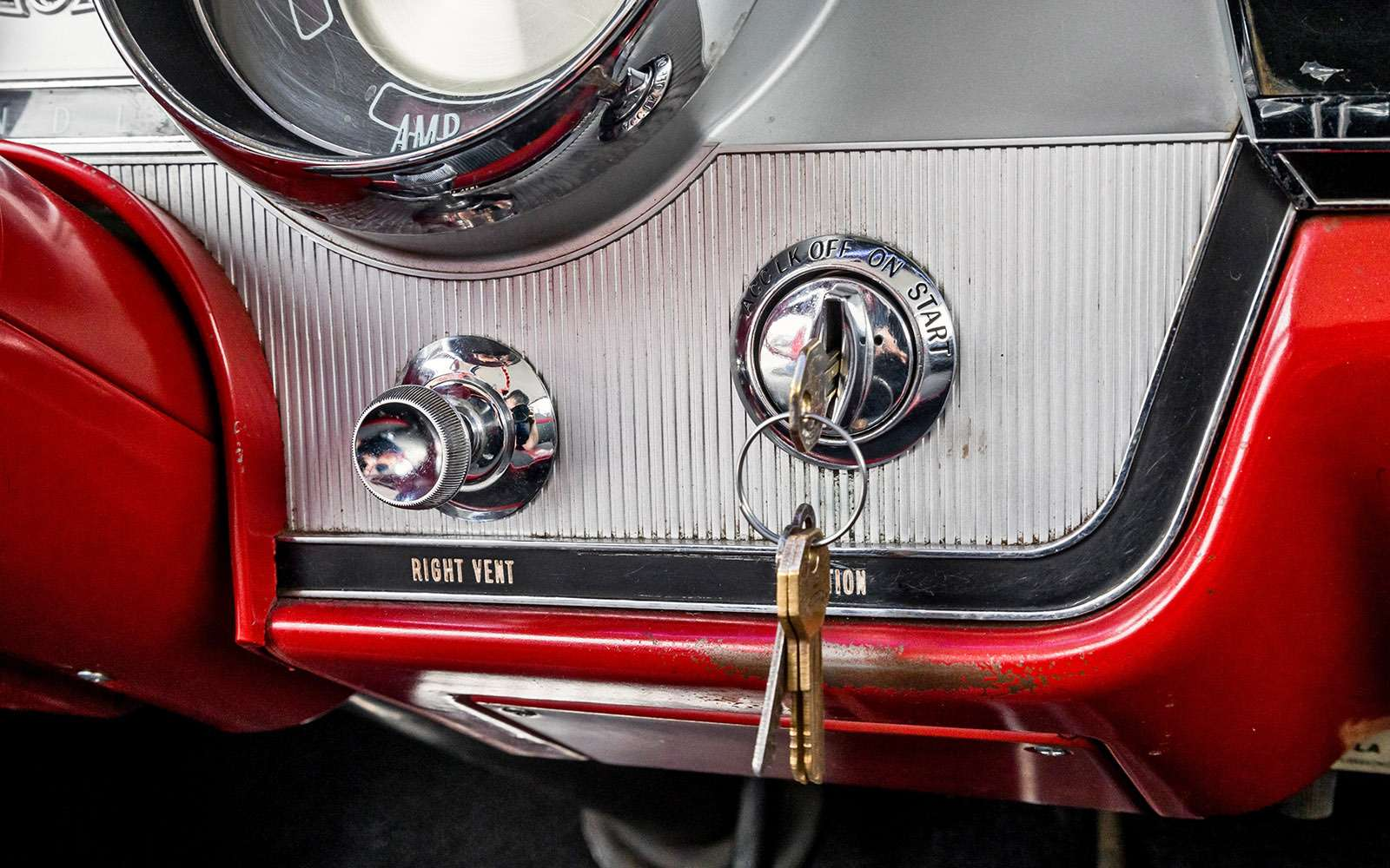 Buick LeSabre— ретротест перекачанного физкультурника— фото 766480